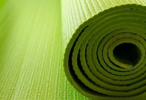 iStock_000014934148Small yogamatte grün